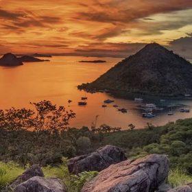 Wah, Ini Dia 10 Tempat Terbaik Melihat Sunset di Indonesia!